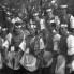 Kumpanjoli oko svog kapitana, 1960. (foto: Ivan Ivančan, iz fototeke IEF)