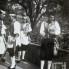Tri kumpanjola i svirač u mih, 1960. (foto: Ivan Ivančan, iz fototeke IEF)
